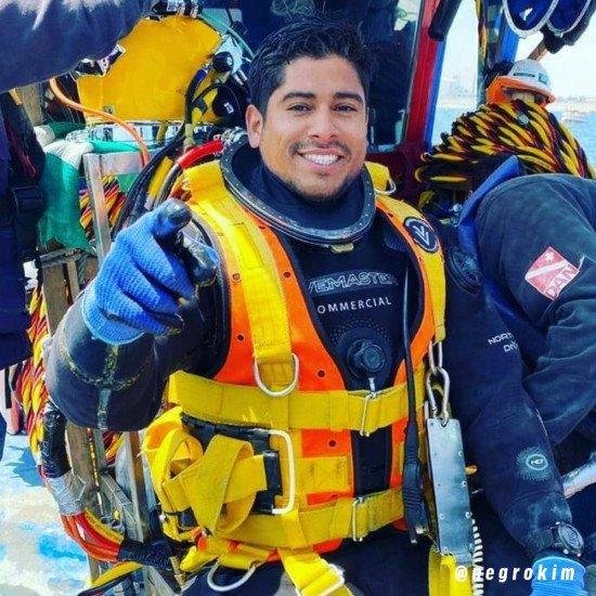 @negrokim-wearing-the-DMC-dive-suit-and-r-vest