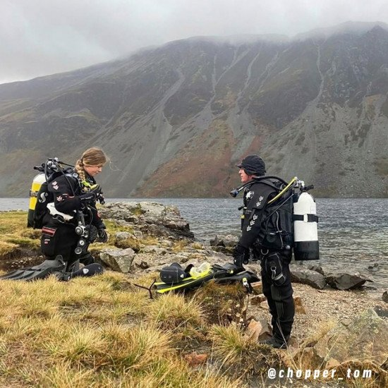 @chopper_tom-family-diving-in-divemaster-scuba-suits
