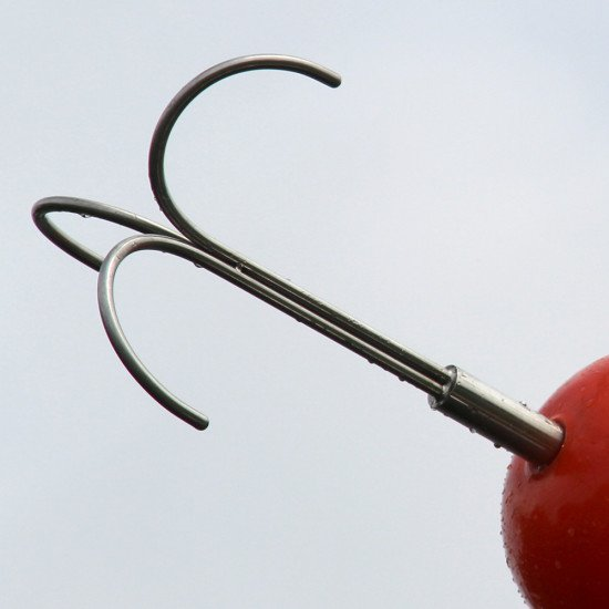 Grapple hooks are suitable for retrieving irregularly shaped loads where more than one contact point