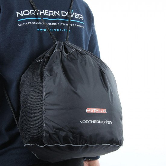 Supplied with a black, mesh-panelled, drawstring carry bag (complete with Northern Diver and Metalux