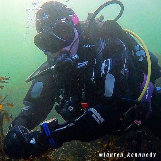 @lauren_kennnedy-underwater-in-the-Northern-Diver-Origin-drysuit
