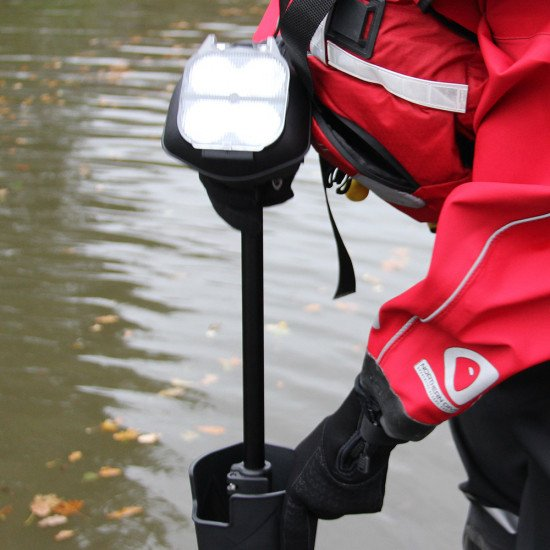 rescue-scene-light-supplied-with-storage-pouch